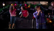 Merry-christmas-drake-and-josh-10