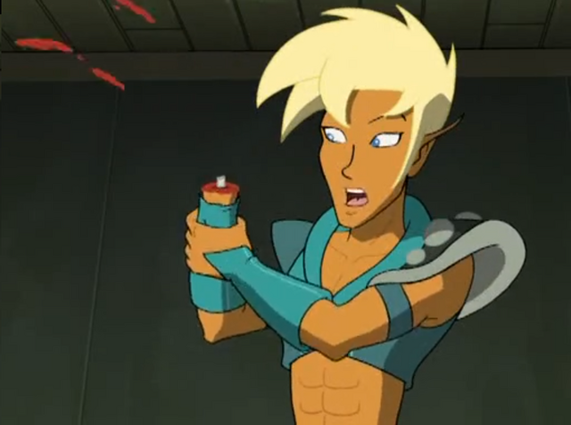 File:Xandir lost an arm.png