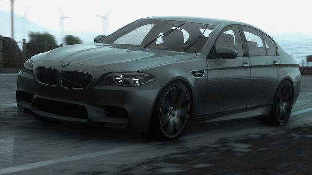 File:CARLIST BMWM52013.jpg