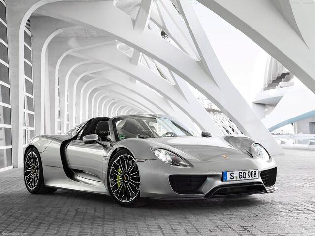 File:Porsche-918 Spyder 2015.jpg