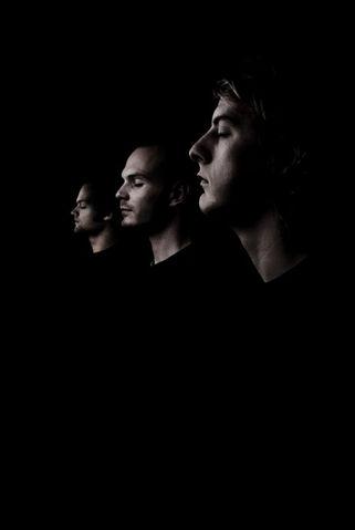 File:Noisia in the Dark Side.jpg