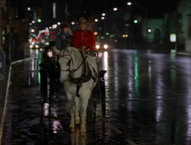 File:Andie Fraser Horse Carriage The Promise.jpg