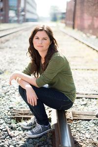 Lisa Jakub Actress