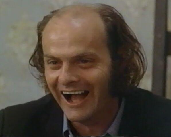 File:Pete Munro as Zeebo 2.jpg