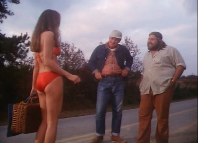 """File:Daisy Mae Duke in the pilot episode """"One Armed Bandits"""".png"""