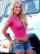 Flip10Daisy Duke (Jessica Simpson) 2