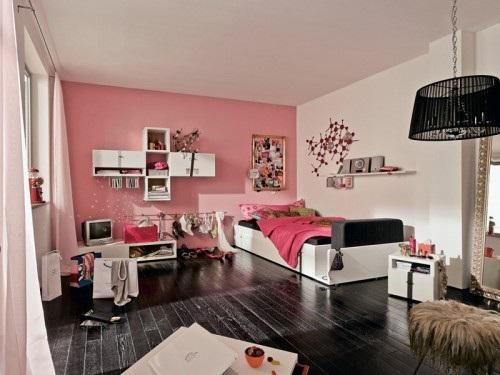 Sascha Evadne Bedroom