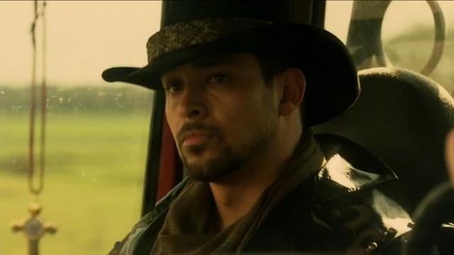 File:Carlos 3 1x02.png