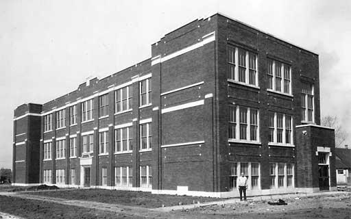 File:Oakdale-chr-school.jpg