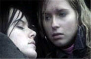 Zoe Slater and Kelly Taylor Kiss (2003)