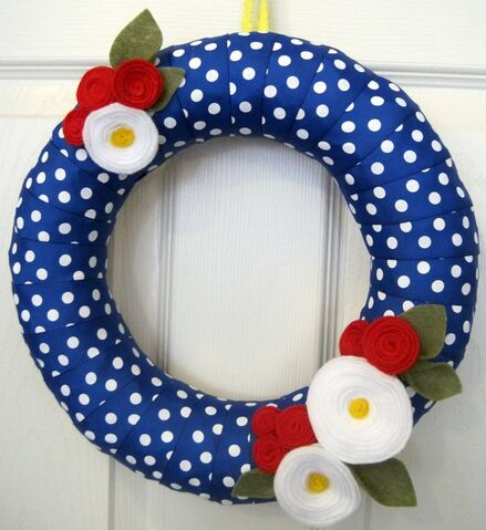 File:Patriotic Polkadot Wreath.jpeg