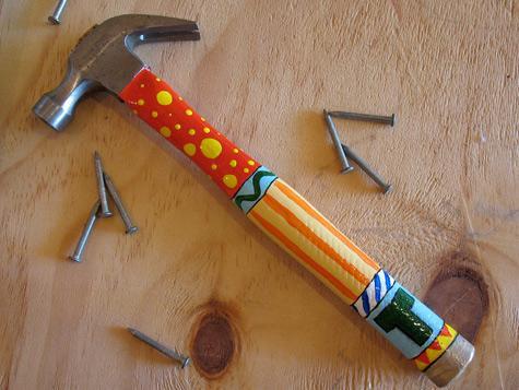 File:Monogram-painted-hammer-dad-photo-475x357-aformaro-016 476x357.jpg