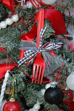 Twilight Crafts:Twilight Forks Ornaments