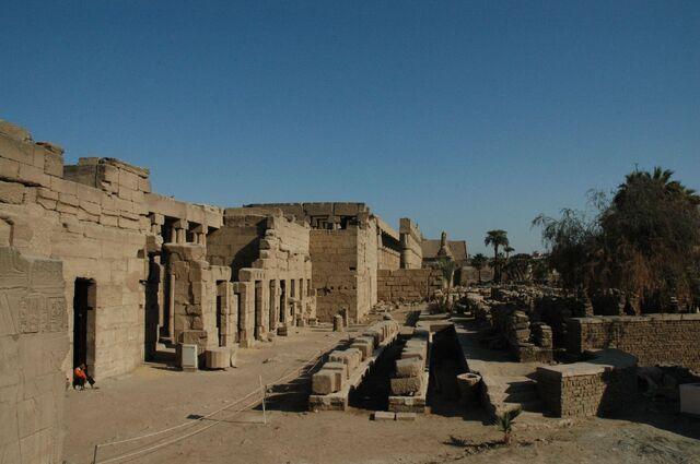 Plik:Luxor Tempio.jpg