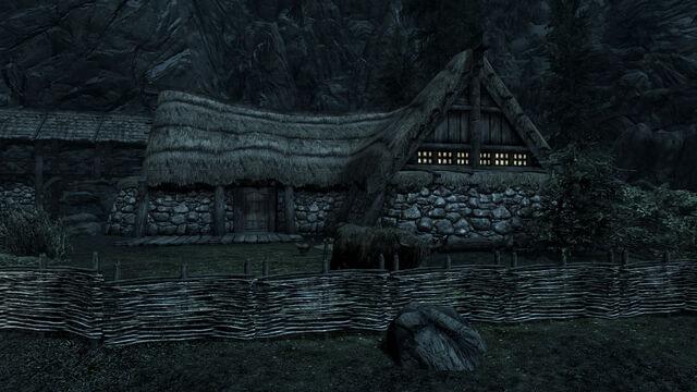 File:Hod and Gerdur's house.jpg