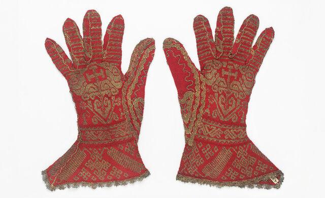 File:Cloth-Gloves.jpg