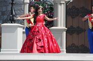 Elena Disney Magic Kingdom 8