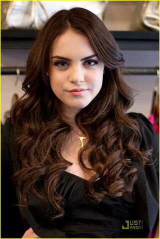 File:Elizabeth-gillies-do-something-02.jpg