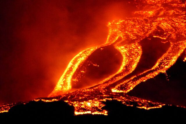 File:Jaw-Dropping-Photos-of-Lava-13.jpg