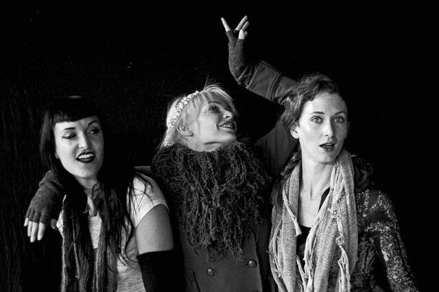 File:Emilie, Veronica and Moth.jpg