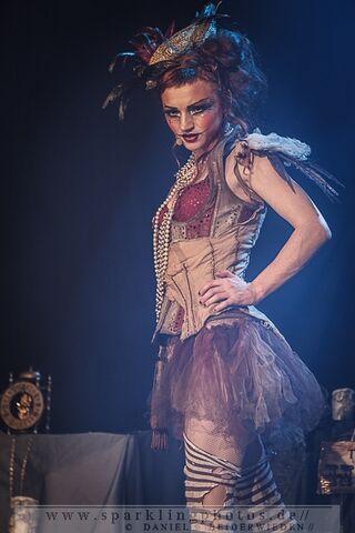 File:2013-09-05 Emilie Autumn - Bild 014.jpg