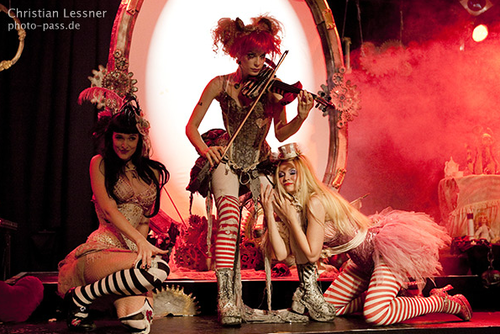 File:Emilie Autumn hamburg 2009.png