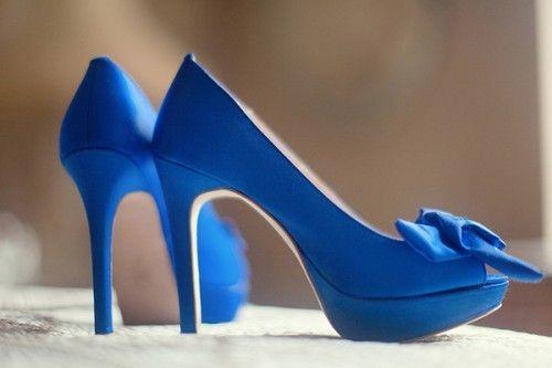 File:Blauwe hakken.jpg