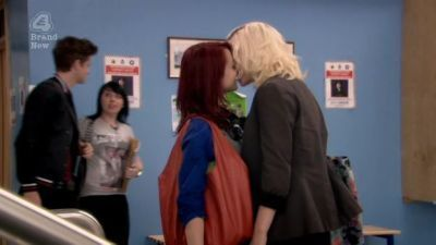 File:Naomily-screencaps-Season-4-Emily-naomi-and-emily-16879077-400-225.jpg