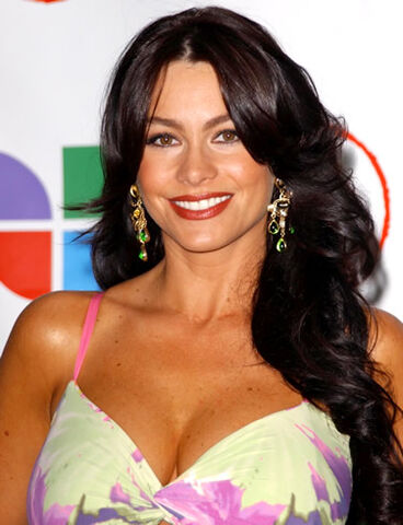 File:Sofia-vergara-teeth2.jpg