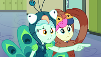 Lyra looks at the team roster EG3