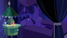 Twilight's wings pop open EG