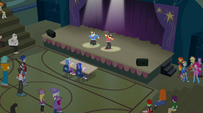Snips and Snails on the showcase stage EG2