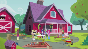 Applejack's house EG2.png