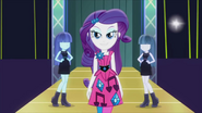 Rarity on the runway with living mannequins EG2