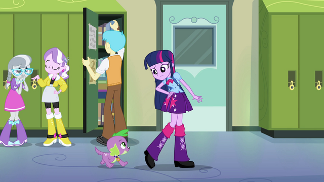 File:Diamond Tiara and Silver Spoon in hallway EG.png