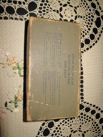File:M44 goggles box.JPG