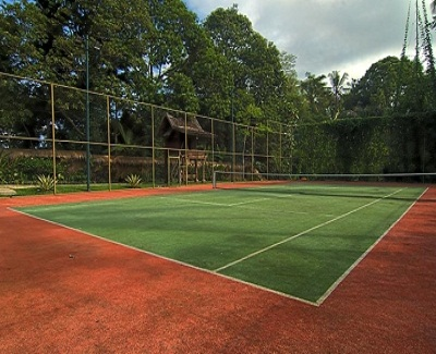 File:Tennis Courts.jpg