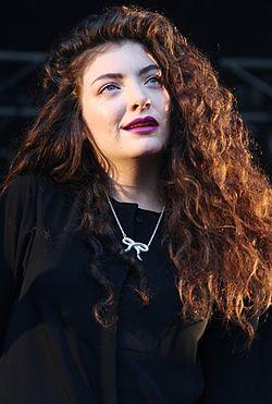 Archivo:Lorde Laneway 7 (cropped).jpg