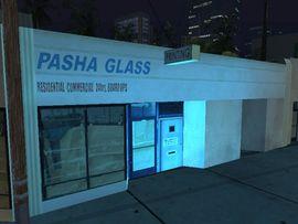 Archivo:Pasha Glass.jpg