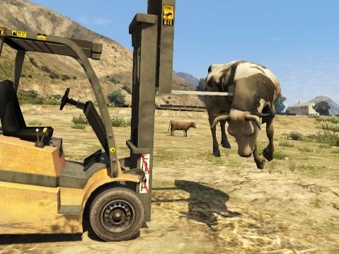Archivo:Forklift y Vaca GTA V.jpg