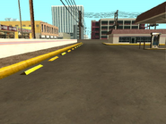 Playa de estacionamiento- Gasolinera Come-A-Lot