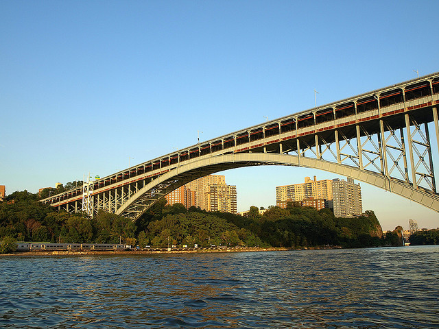 Archivo:Henry Hudson Bridge, New York.PNG
