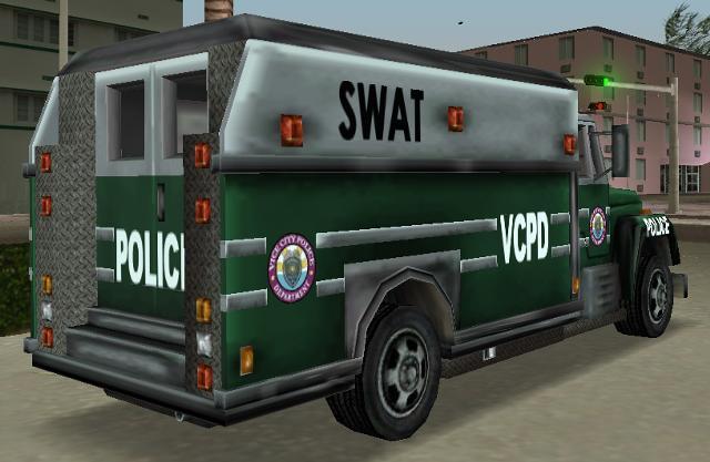 Archivo:EnforcerVCatras.jpg