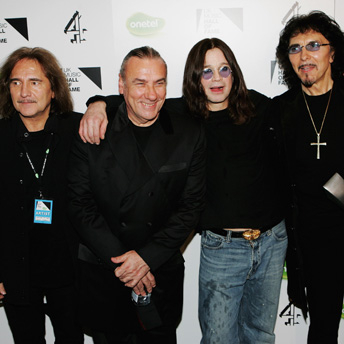 Archivo:Black Sabbath con ozzy.jpg