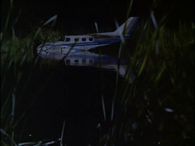Archivo:Avión pantano.png