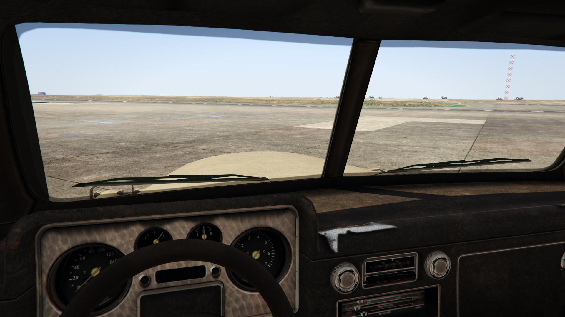 Archivo:Halftrack-GTAO-Interior.png