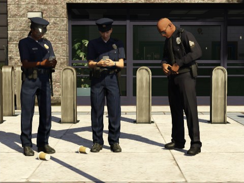 Archivo:PoliciasLSPDGTAV.png