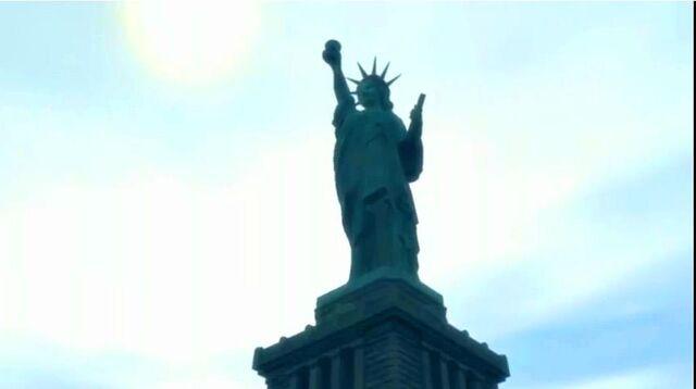 Archivo:Estatua de la Felicidad 6.JPG