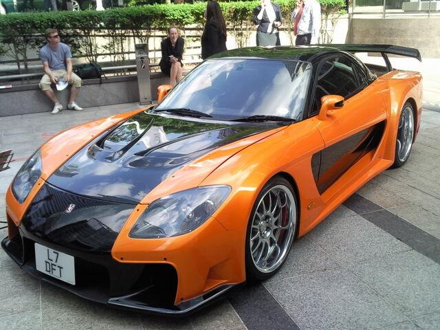 Archivo:MazdaRX7rapidoyfurioso.jpg