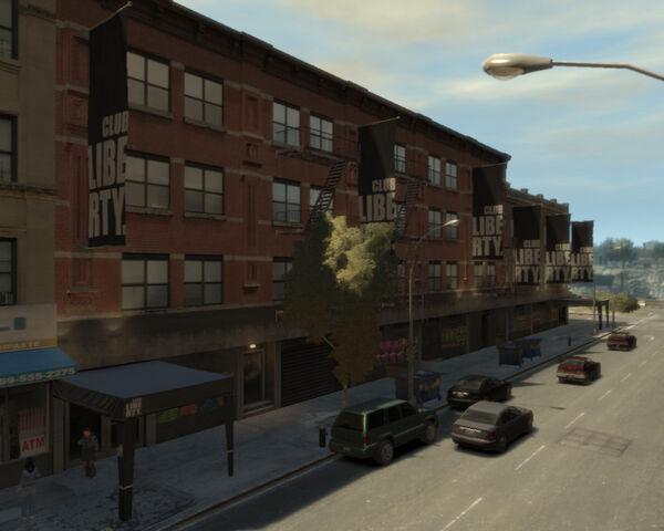 Archivo:750px-ClubLiberty-GTA4-exterior.jpg